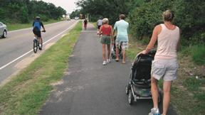 busy_walking_path